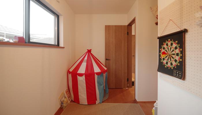 4畳の縦長の子供部屋