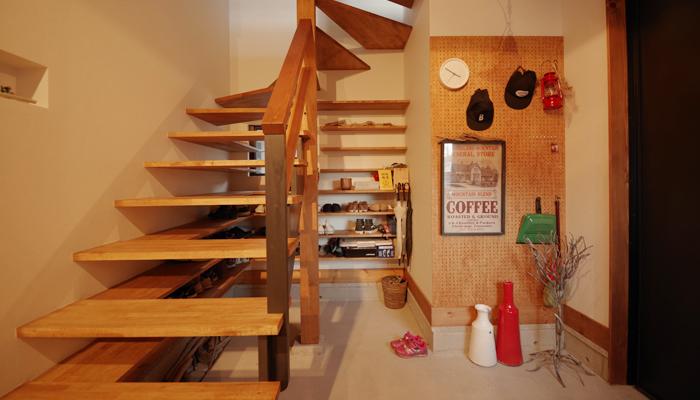 階段下玄関収納