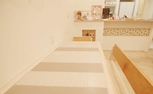 タイル天板のダイニングテーブル